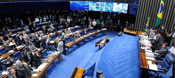 Resultado de imagem para plenario do senado aprova fim do foro privilegiado